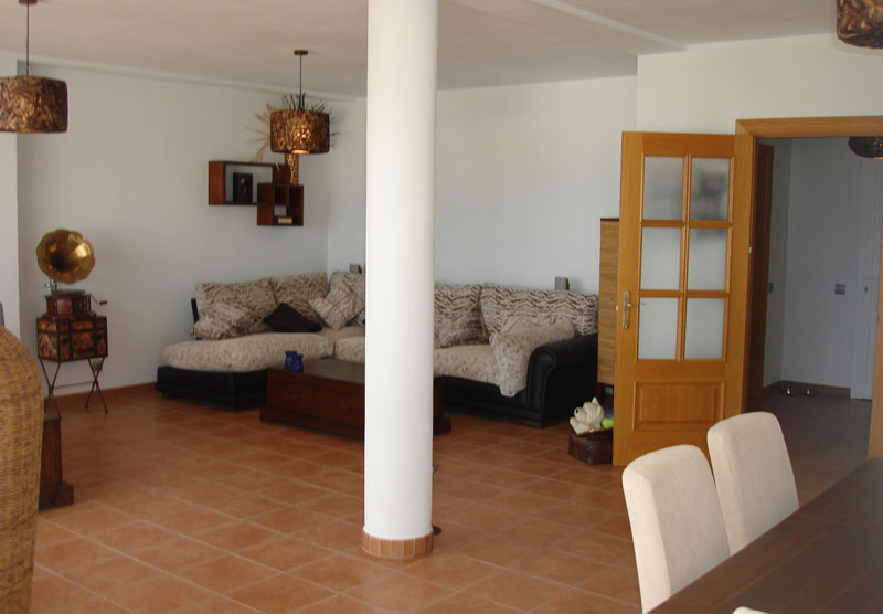 Three Bedroom Flats for sale in Cala Vadella