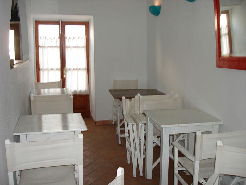 This elegant studio and restaurant in La Marina for sale