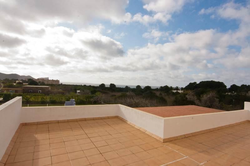 Beautiful 4 bedroom villa for sale in Sa Caleta