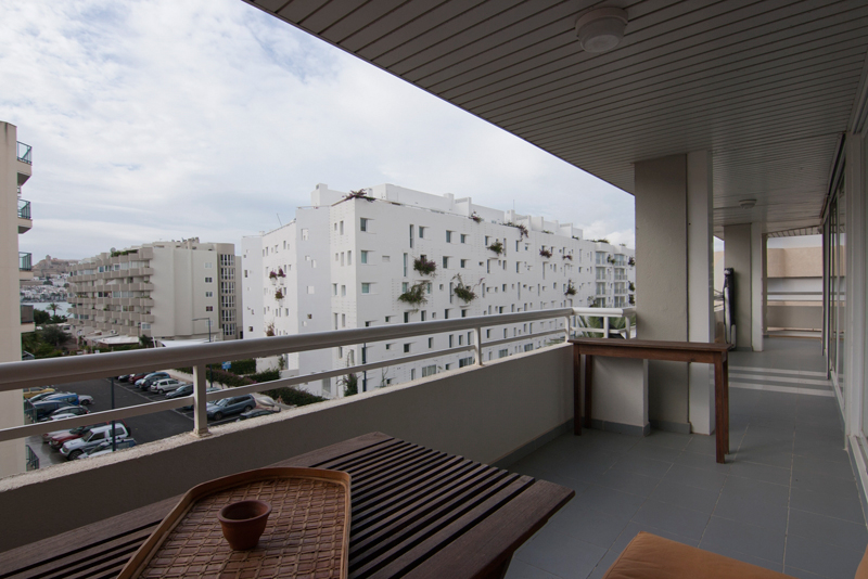 For sale a 2 bedroom apartment Marina Botafoch