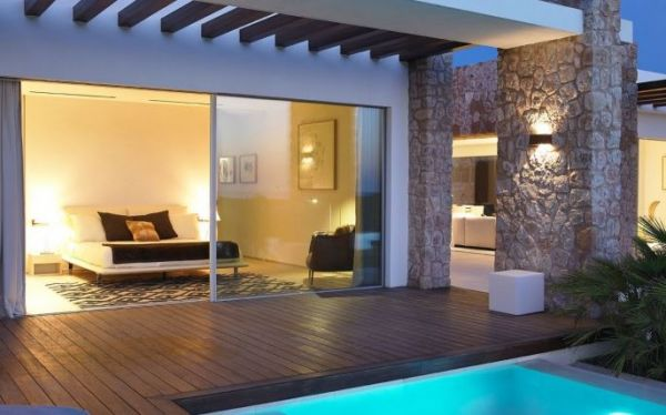 Six  Bedroom Villa in Cala Conta for sale