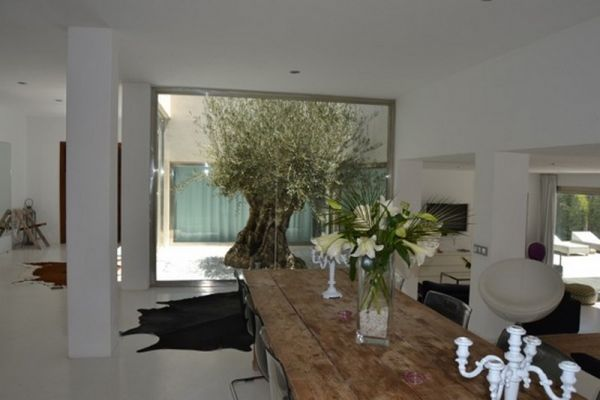 House with five rooms in Es Cubells for rent