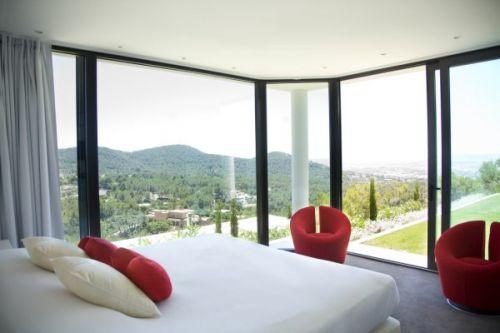 Modern luxury villa with 6 bedrooms in Jesus for sale