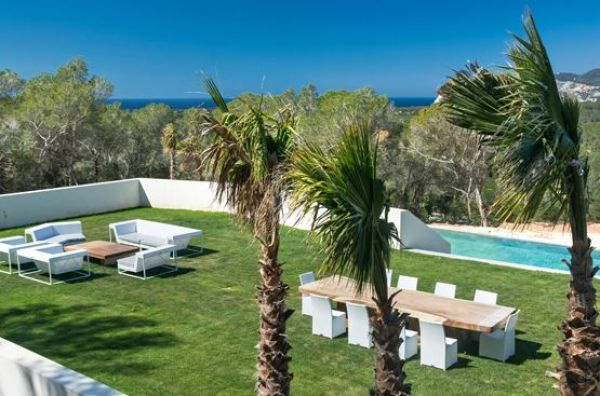 Very luxury villa with six bedrooms in Cala Jondal