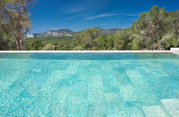 Very luxury villa with six bedrooms in Cala Jondal