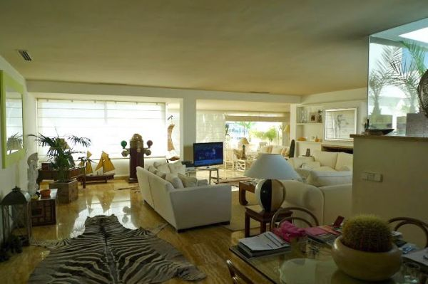 Three  Bedrooms Flat for sale in Marina Botafoch