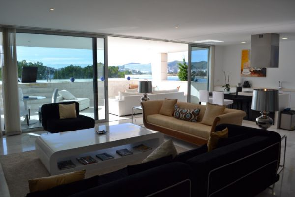 Four bedroom Penthouses for sale in Marina Botafoch