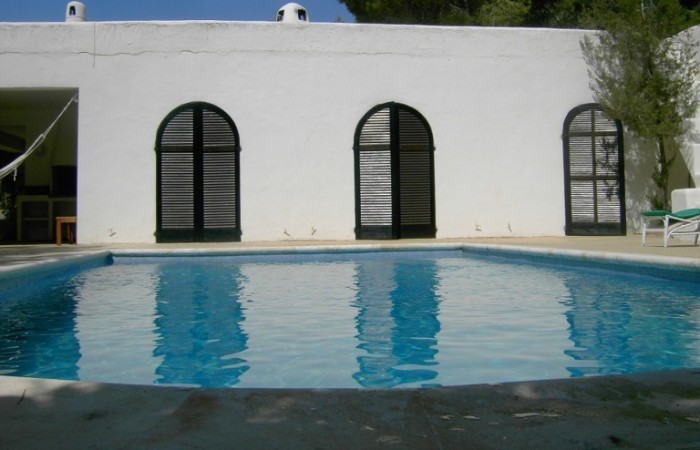 Great house with project for another 9 homes for sale in Cala Tarida