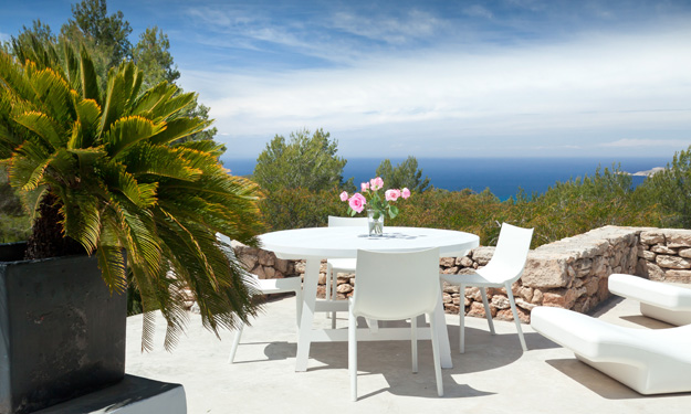 Luxury villa for sale in Cala Tarida with four bedrooms