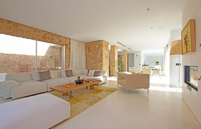 Modern luxury villa in Cala Conta for sale