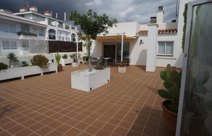 This beautiful three bedroom Flat for sale in Marina Botafoch
