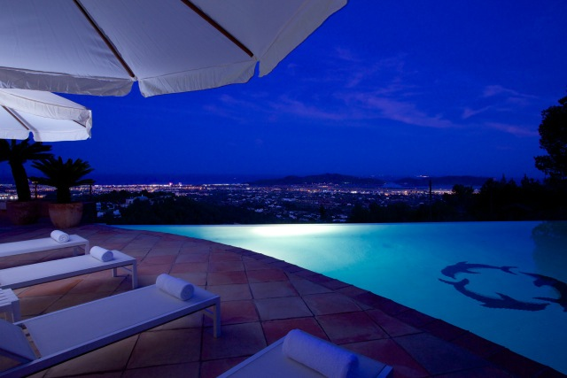 Villa for sale with amazing views