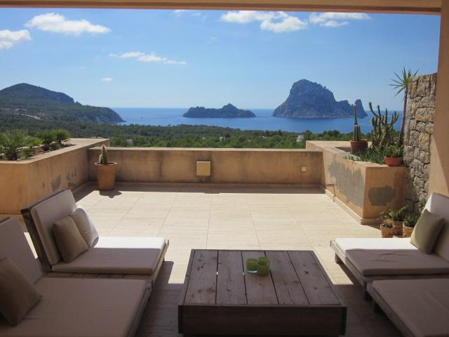 Nice apartment with magnificent views of Es Vedra and a mare