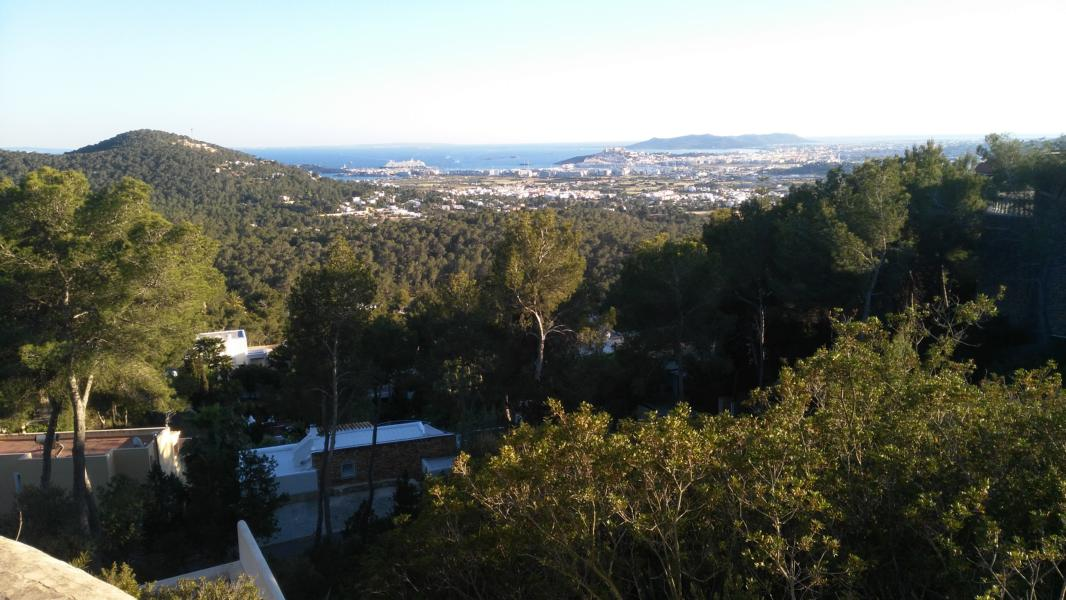 Land in Can Furnet with stunning views of the sea and Old Town