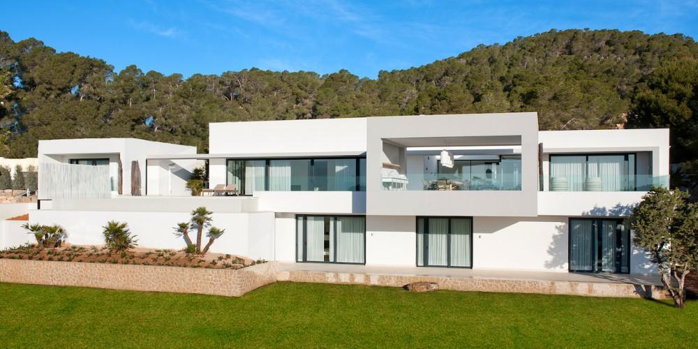 Exclusive modern villa in Vista Alegre for sale