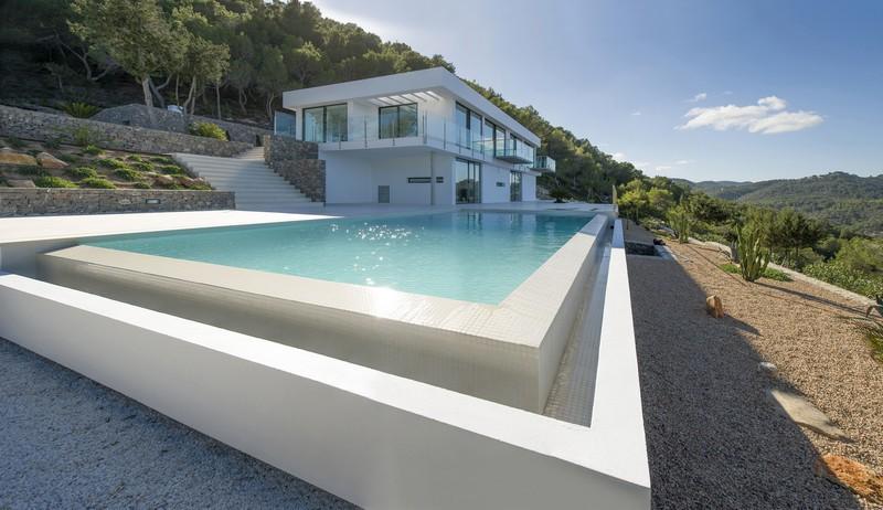 This luxury Villa for sale in San Juan