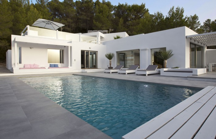 Excellent house for sale in Cala Tarida