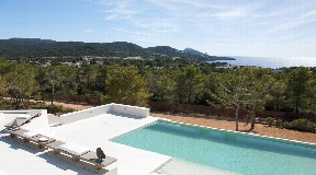 Designer villa overlooking the sunset in Cala Tarida