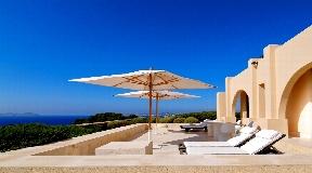 Magnificent frontline luxury villa in Calo D'en Real