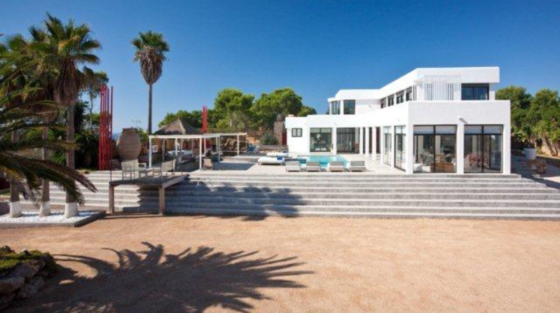 Very nice villa with 7 bedrooms near to Cala Tarida