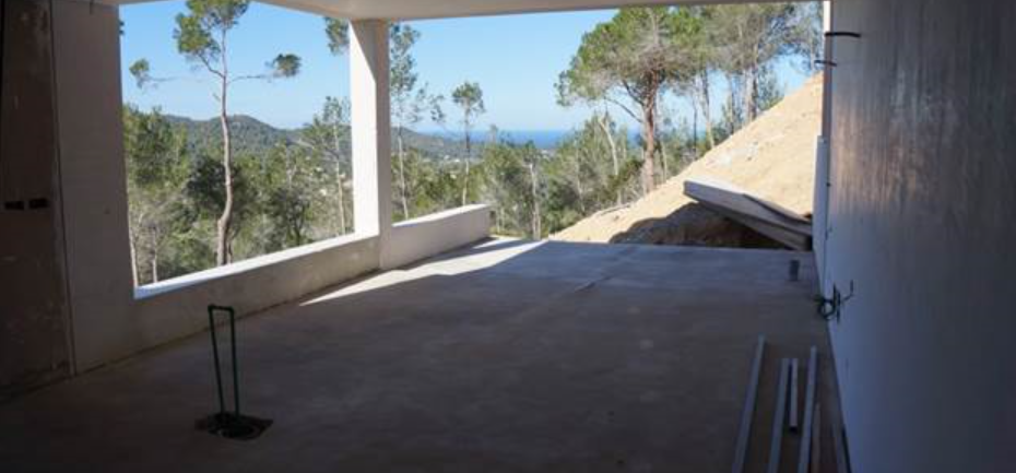 Unfinished construction in San Jose for sale with amazing views