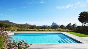 Modern house with stunning views of Es Vedra