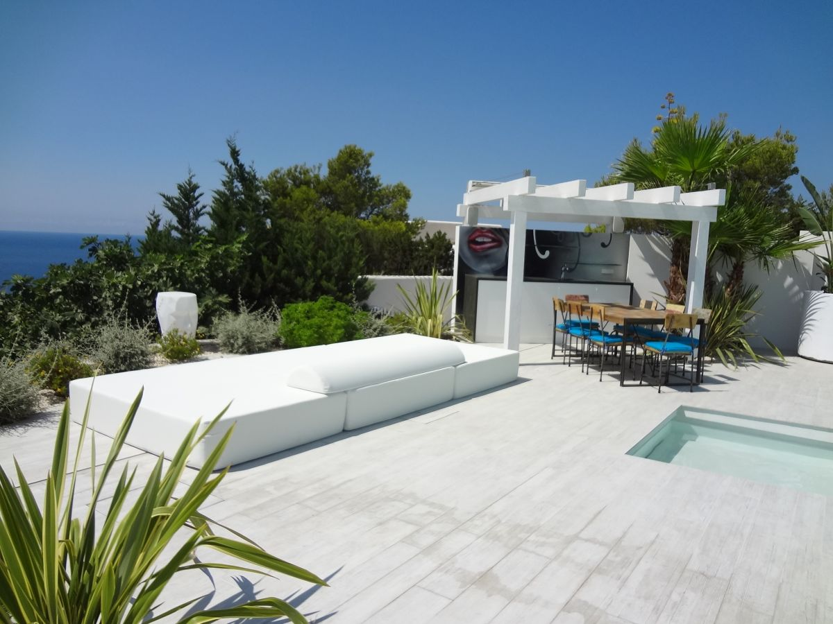 Front line home in Ibiza with impressive views for rent