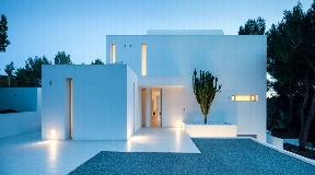 Modern villa in peaceful setting in the heart of the island for rent