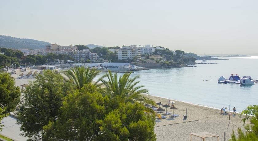 Holliday Beach Hotel on Mallorca for sale