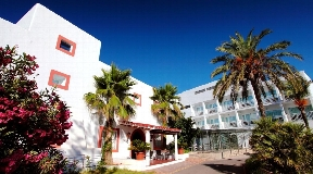 Hotel with 115 rooms for sale with 4 stars