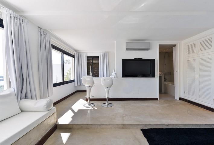 Luxury villa Can Buddha in Roca Lisa for sale