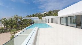 Exclusive modern villa in Vista Alegre for sale