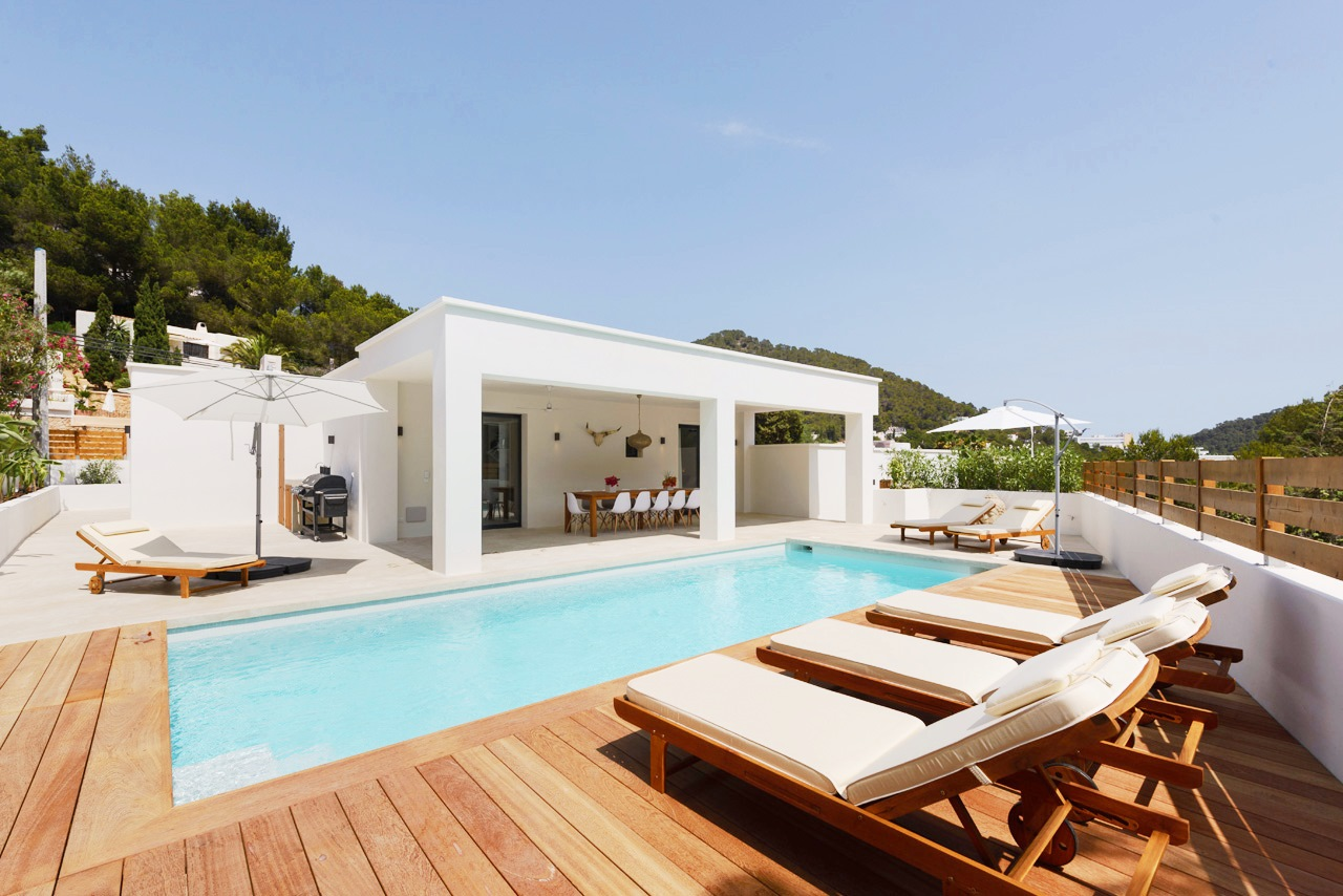 Newly renovated 5 bedroom villa with pool and guest house for 5 bedroom house with pool