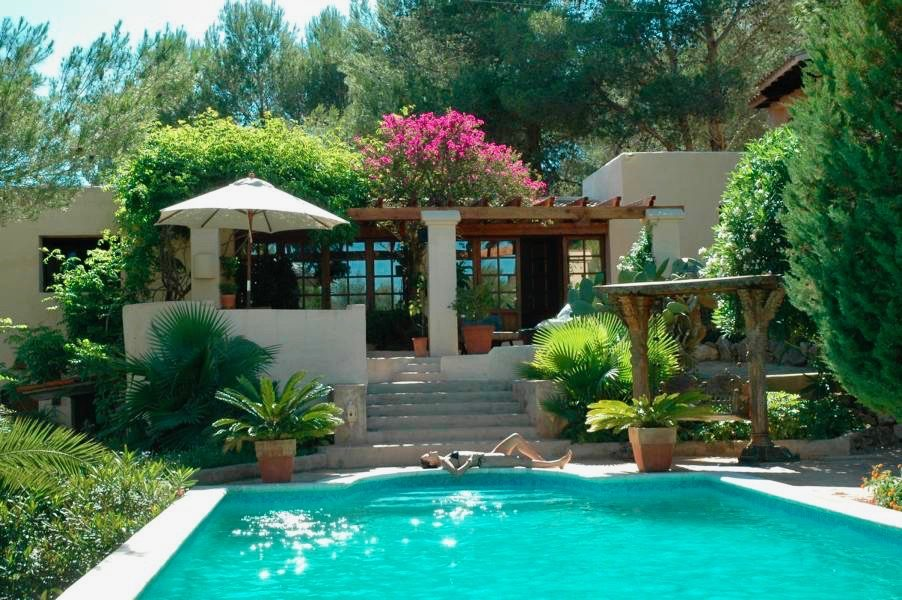 Very nice country house in santa gertrudis for sale for Ibiza country villas