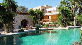Large luxury Villa in Ibiza with view with horse stables near San Agustin