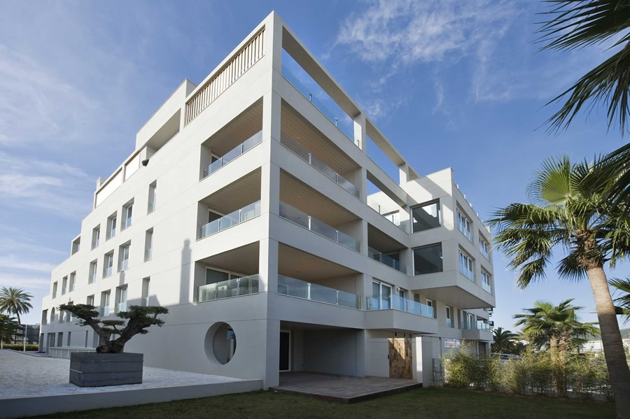 Two bed apartment in the building Sa Marina in Marina Botafoch