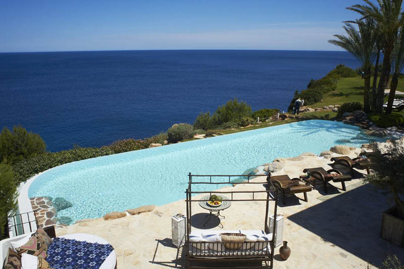 Luxury villa in Ibiza with direct access to the bay and boat mooring