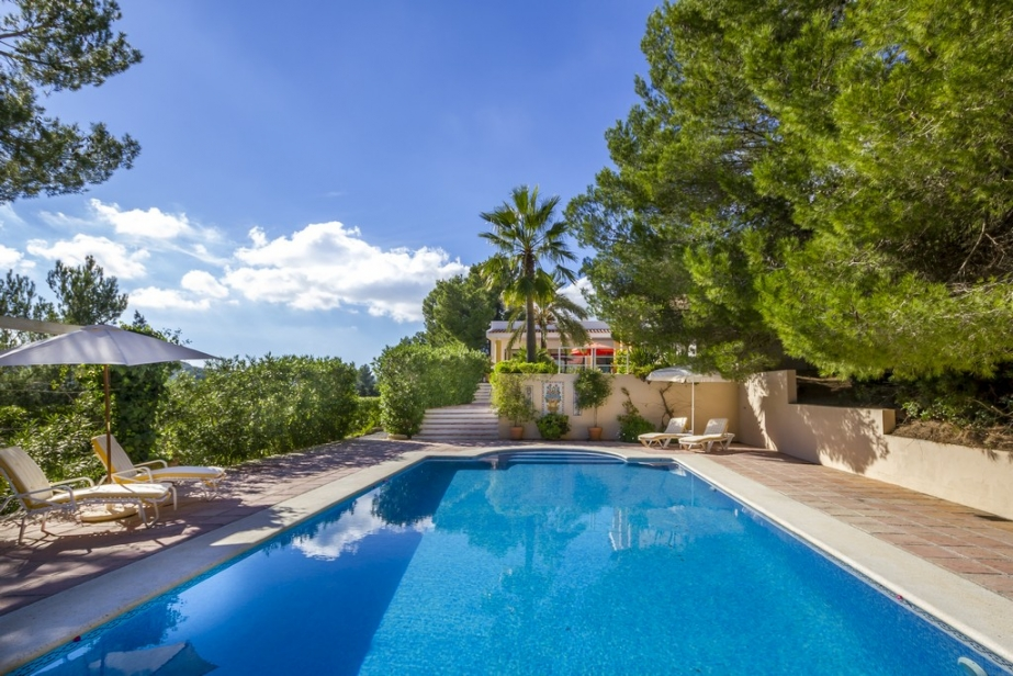 Large luxury Villa in Ibiza with guest house and great sea view