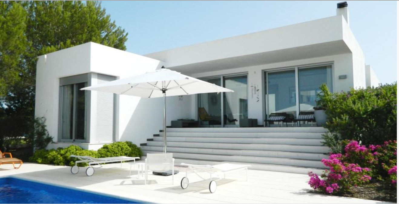 Modern white villa as new close to the beach in Port des Torrent