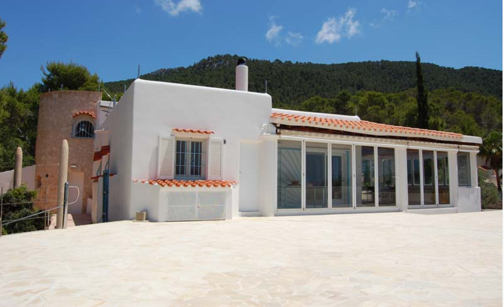 Beautiful house with great panoramic view on the sea with great sunsets