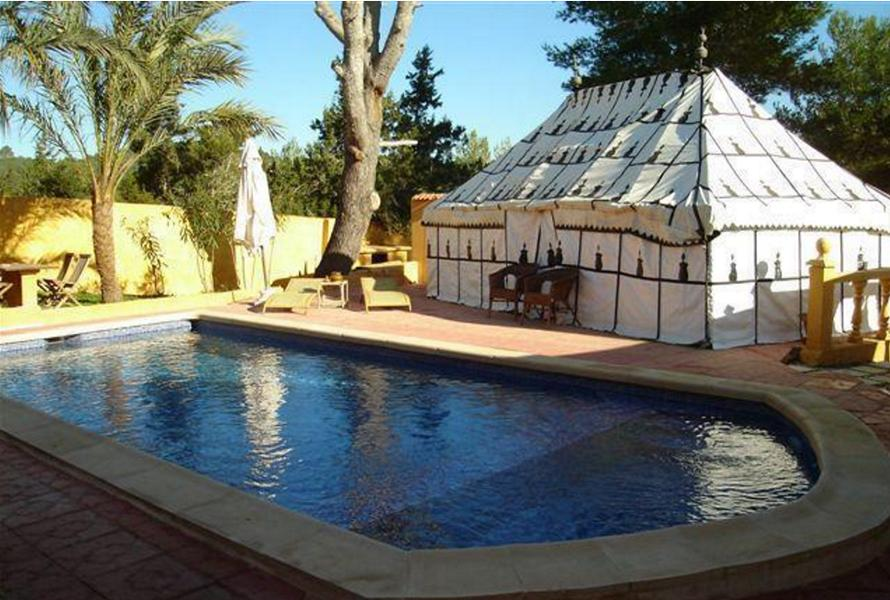 House with 11 studios near to ibiza with rental potential - Ibiza house renting ...
