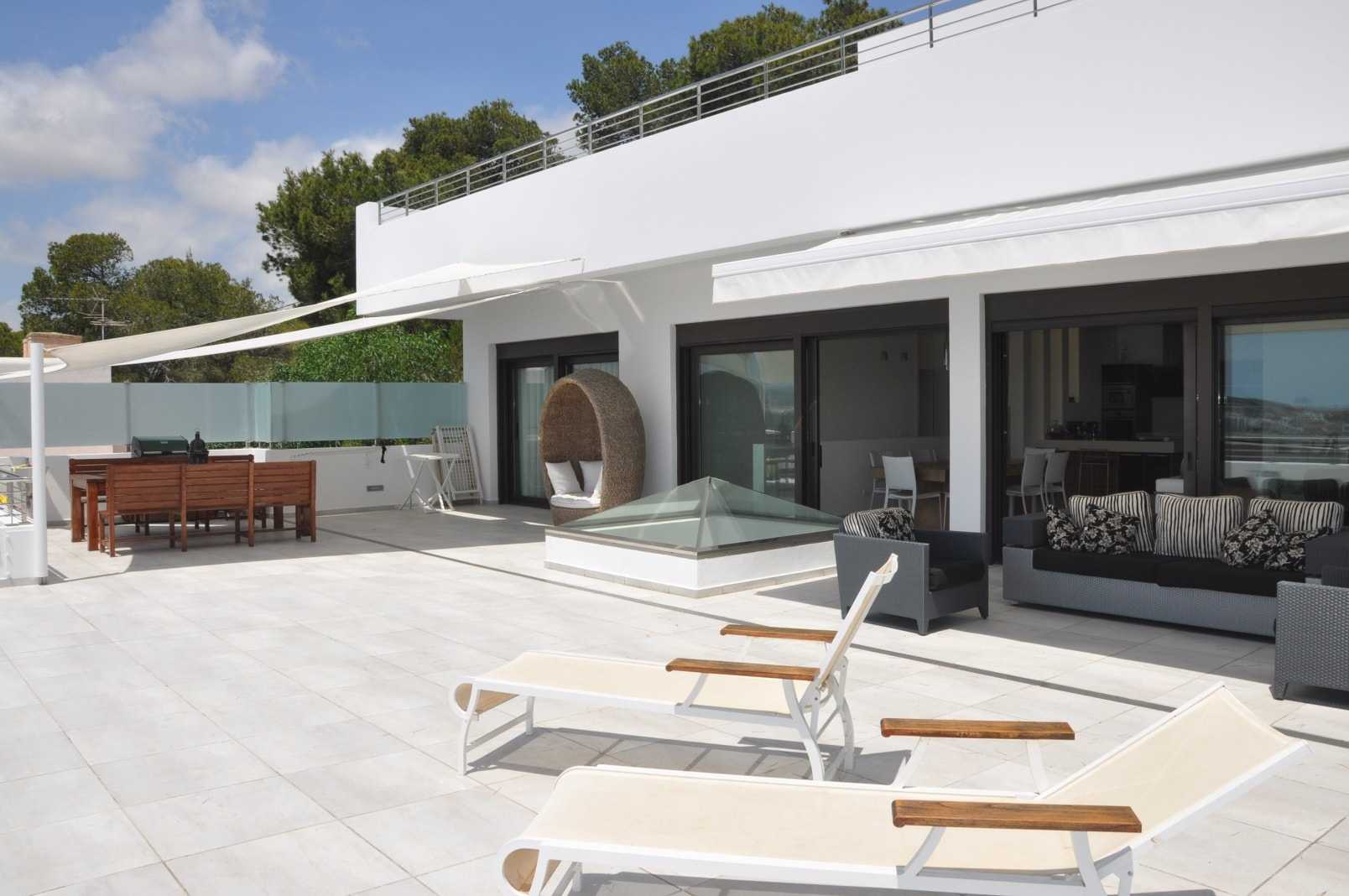 Precious modern villa with great views in Talamanca for rent