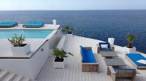 Luxury villas located in front of the sea in Es Cubells