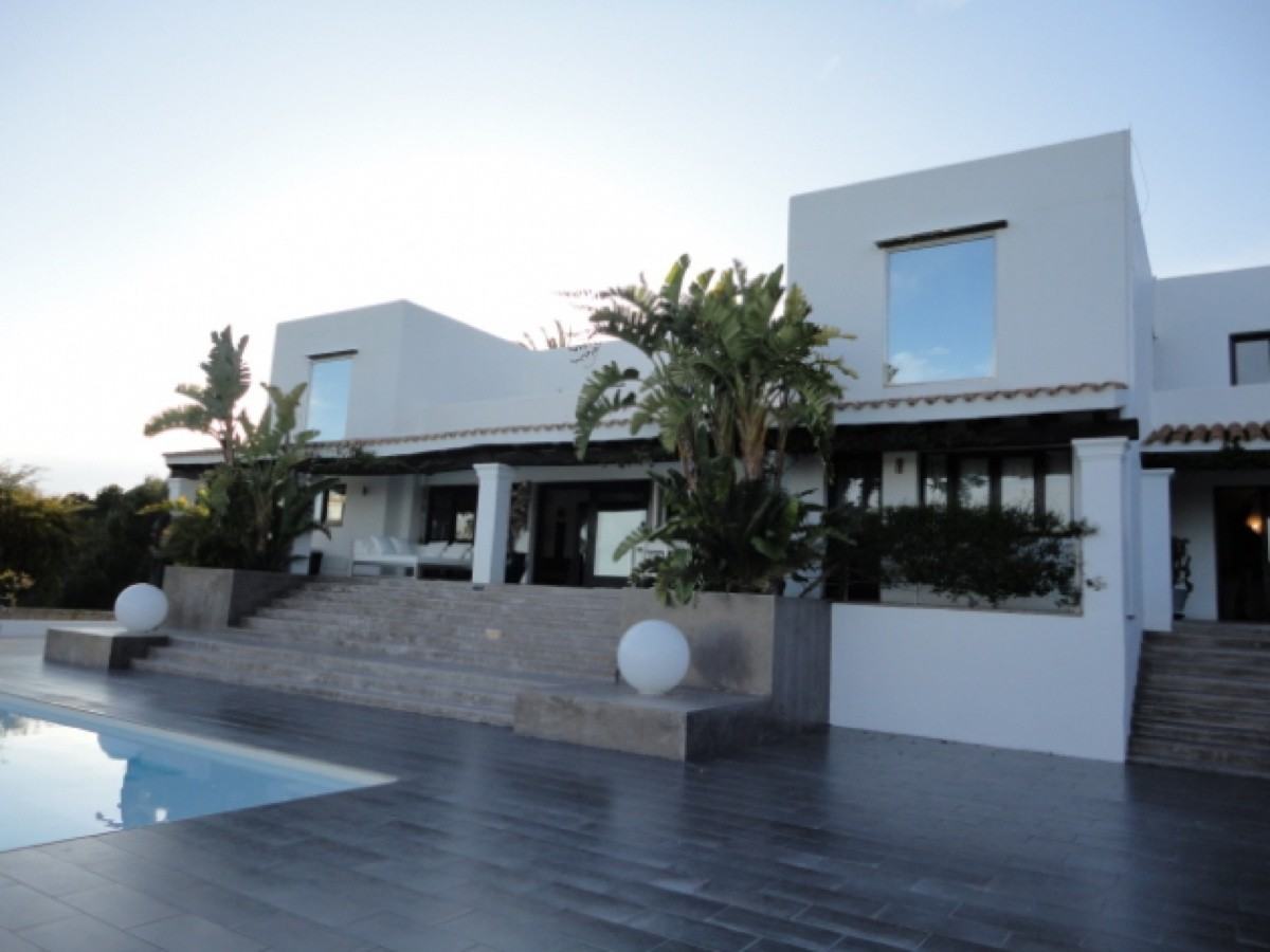 Luxury Villa located at only 4 km from Ibiza Town for rent