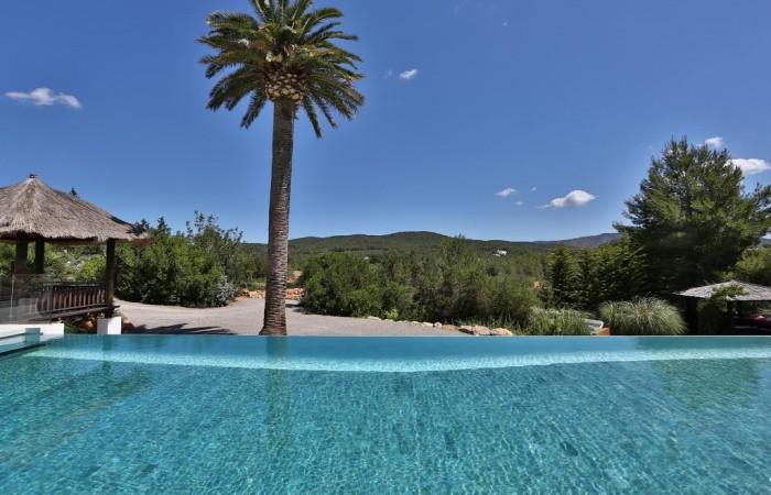 Luxury villa for sale on Ibiza in San Lorenzo