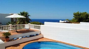 Charming house with sea view and sunset view in Cala Vadella