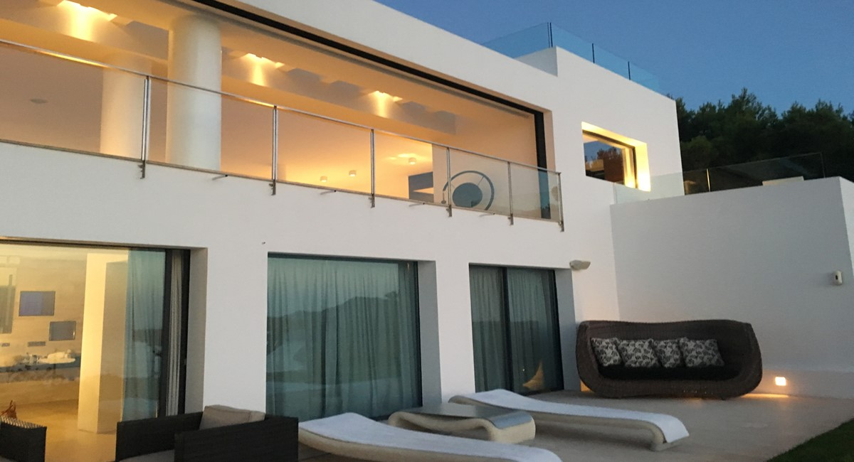 Exclusiv luxury villa with amzaing views first line