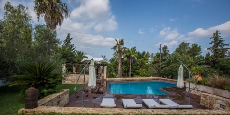Large luxury villa in Jesus with garden near Talamanca beach