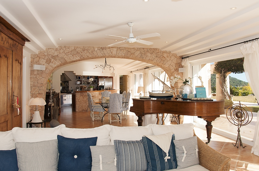 Beautiful villa with views of the sea and the island of Formentera