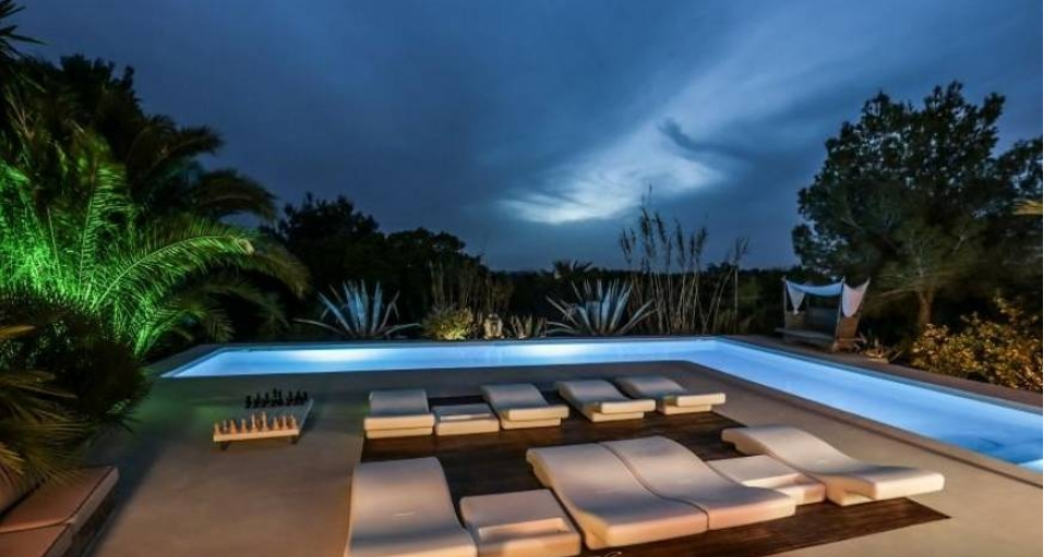 Beautiful villa in the middle of nature on Ibiza